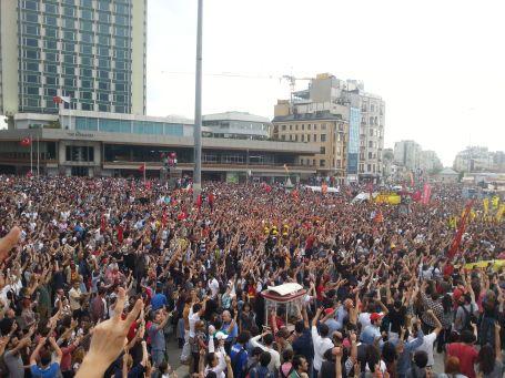Zorbalığa karşı yarın Taksim'de miting var