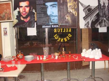 Suç aletleri: Vazo, poster, heykel!