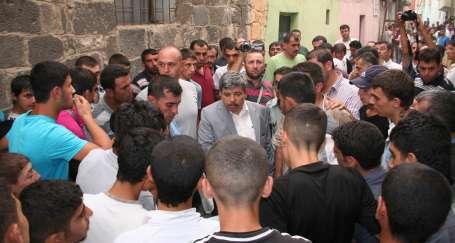 Diyarbakır'da polis bir kişiyi öldürdü