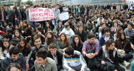 Boykot barikatı aştı