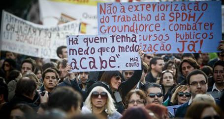 Portekizliler, kemer sıkma  politikalarına karşı yürüdü