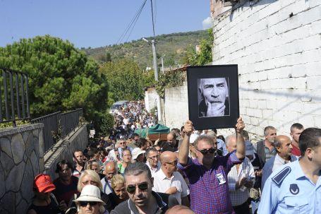 Tuncel Kurtiz'i binler uğurladı