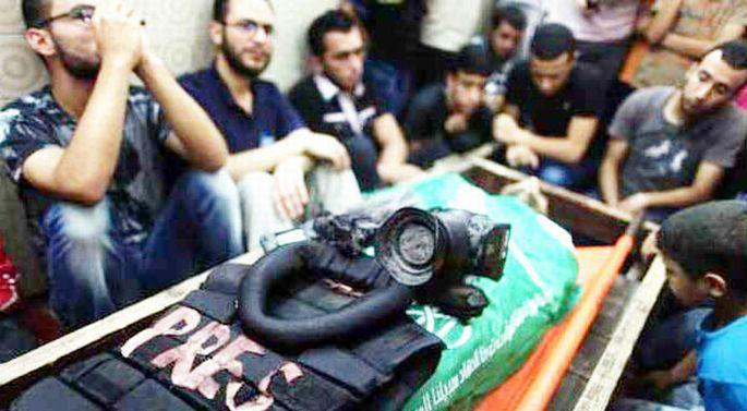 8 gazeteci öldürüldü