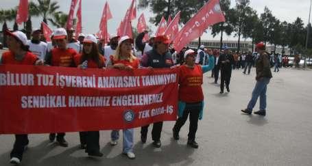 Direnişçiler Çiğli Organize'de yürüdü