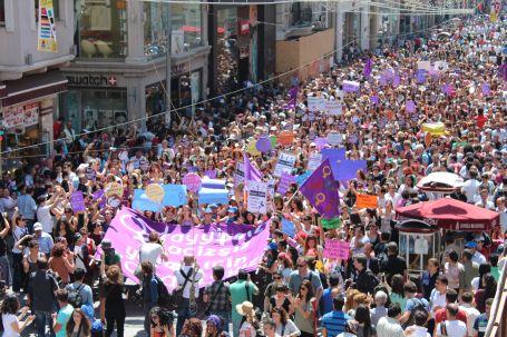 Gezi Parkı ve örgütsüzlüğe övgü