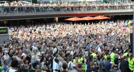 Oslo'daki katliam Stockholm'de protesto edildi