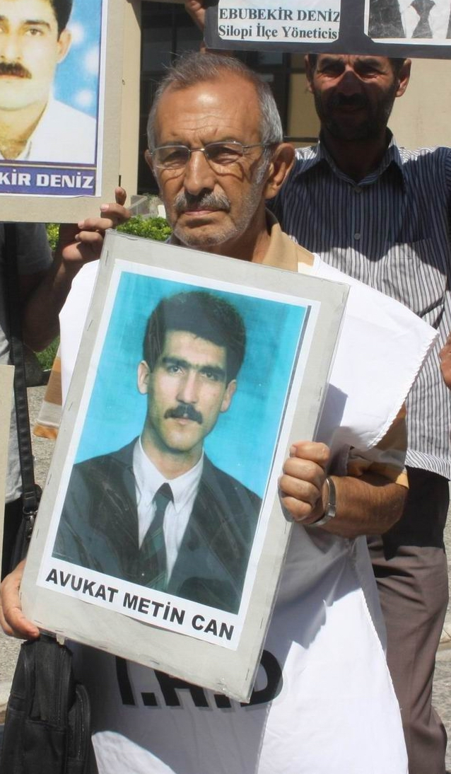İnsan hakları savunucusu Aydın yaşamını yitirdi