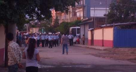 Ödemiş'te ülkücü saldırıya polis barikatı
