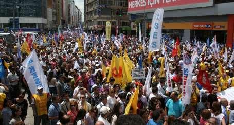 Adana'da grevde ve alanda birlik sağlandı