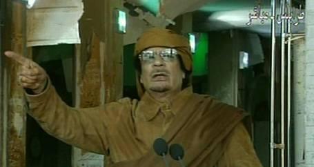 Kaddafi: İsyan devam ederse ülkeyi yıkacağız