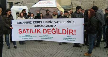 İstanbul'un talanı afişe edildi