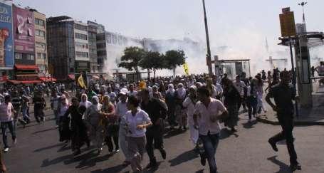Polis gazı barış mitingini iptal ettirdi