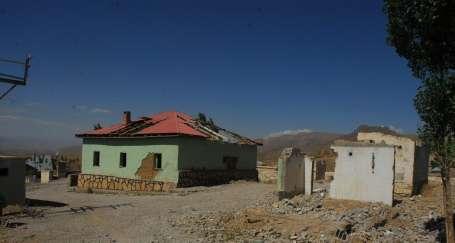 Köylüler boşaltılan karakolu 'köy evi' yapmak istiyor