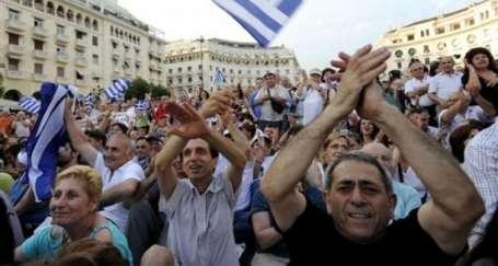 Yunan hükümeti halkı dinlemedi
