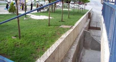 Mamak'ta parklar tehlike saçıyor