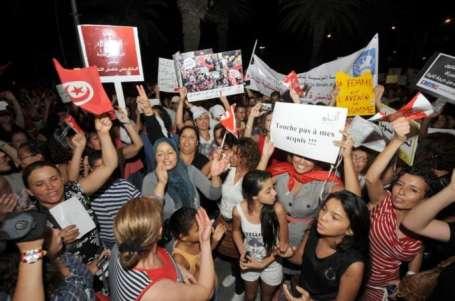 Tunus'ta tecavüzcü polislere öfke