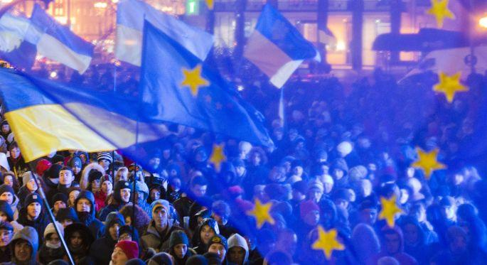 AB, Ukrayna'yla ortaklık anlaşması imzaladı