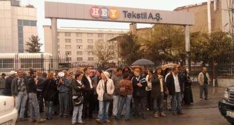 Hey Tekstil işçilerine polis barikatı