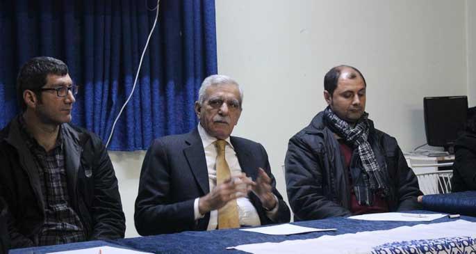 Ahmet Türk: Kürtleri inkar edenleri devre dışı bırakalım