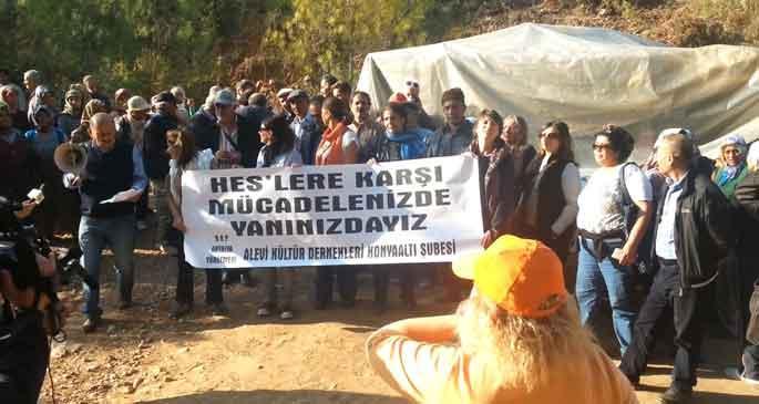 Ahmetler köylülerine destek büyüyor