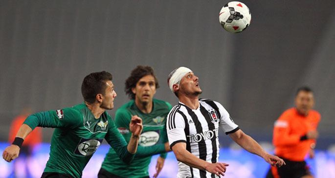 Akhisar\'ı 3-0 mağlup eden Beşiktaş 2. sıraya yükseldi