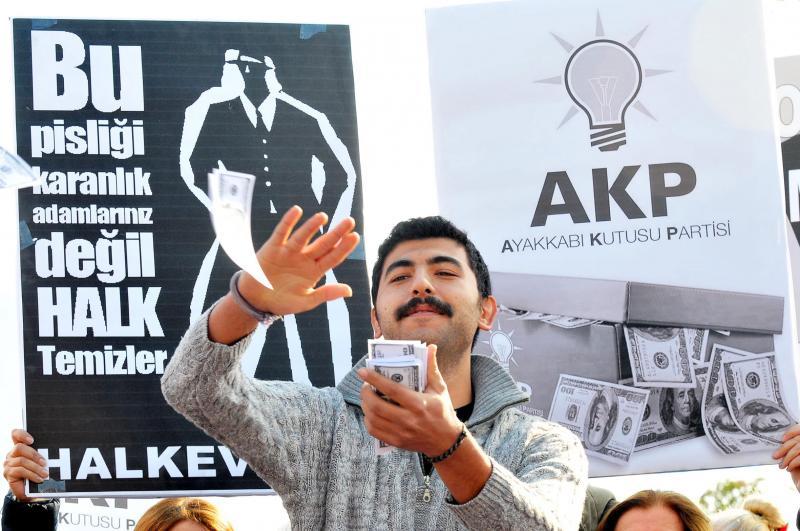 'AKP çalıyor depremzede üşüyor!'