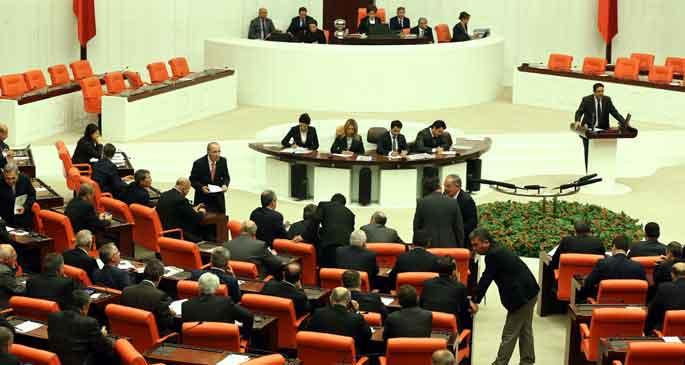 AKP iç tüzük'te 'türban' demedi