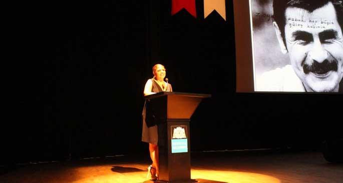 Altıok Şiir Ödülü Gülten Akın'ın oldu