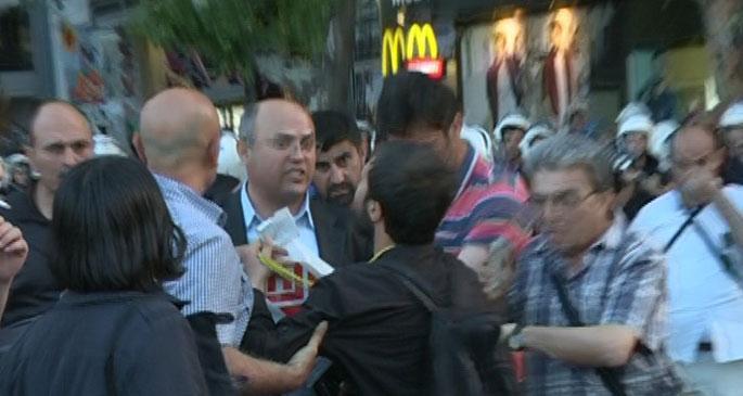 Ankara polisi zıvanadan çıktı