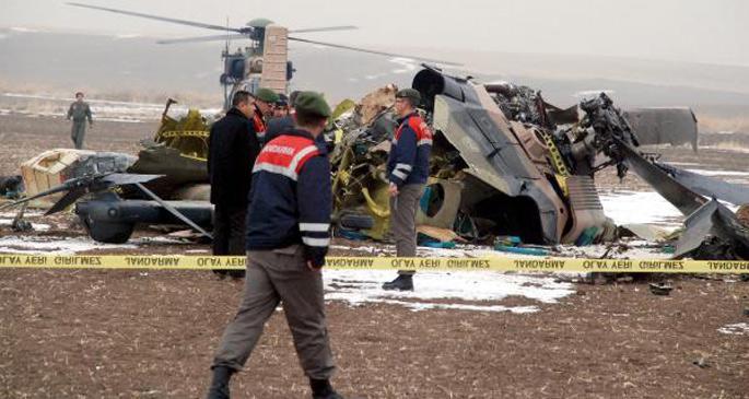 Ankara\'da askeri helikopter düştü: 4 asker yaşamını yitirdi