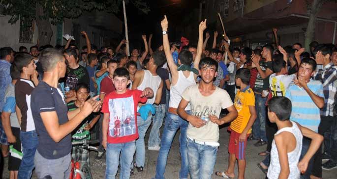 Antep\'te Suriyelileri linç girişimi: 10 kişi yaralandı