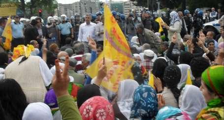 Polisin tutumu protesto edildi