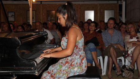 Genç piyanistlerden üstün performans