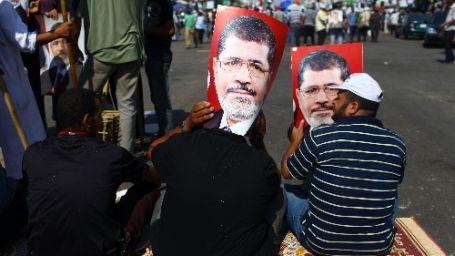 Mısır hükümeti, İhvan'ın kapatılmasına karar verdi