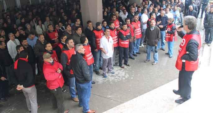 Balcalı'da taşerona karşı süresiz iş bırakma