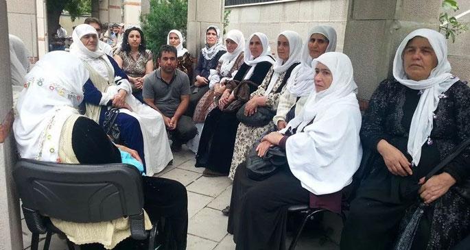 Barış Anneleri'nden İŞKUR işçilerine destek ziyareti