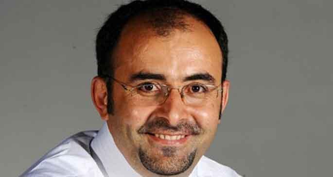 Başbakan'dan Emre Uslu'ya dava