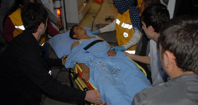 Batman\'da öğrenci servisi kaza yaptı: 20 kişi yaralandı
