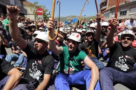 Madencilerin Madrid yürüyüşü sürüyor