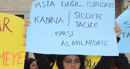 Gözaltına alınan kadın öğrencilere taciz iddiası