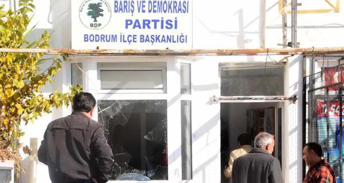 BDP Bodrum İlçe binasına saldırı