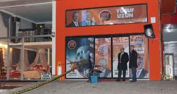 Belediye Meclis adayı, AKP seçim bürosu önünde öldürüldü