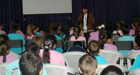 Çocuk edebiyatı ve eğitim sistemi tartışıldı