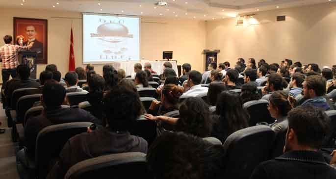 Birgül Ayman Güler'e üniversitede protesto