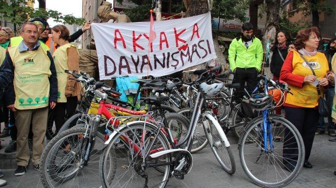 Bisikletle 30 bin imza getirdiler