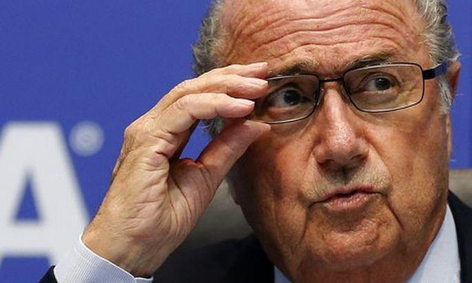 Blatter: Katar çalışma koşullarını hızla iyileştirmeli