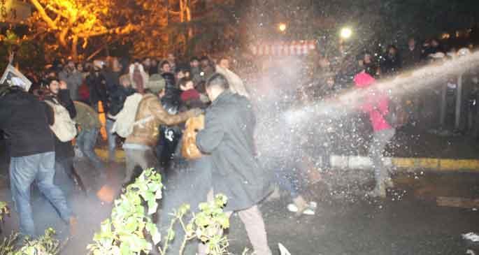 Boğaziçi Üniversitesi'ndeki Yüksekova protestosuna müdahale