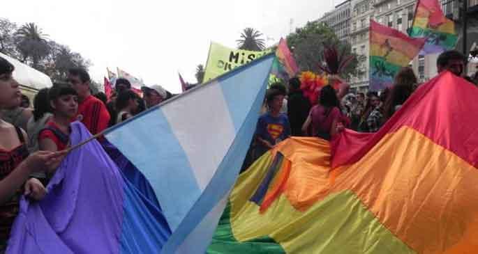 Buenos Aires'te 'onur yürüyüşü'
