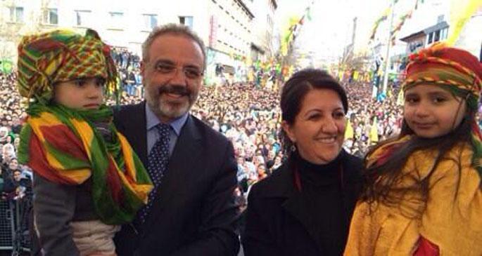 Buldan ve Sakık'tan manidar tweet\'ler