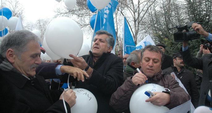 Bütçe talepleri balonla Meclise gitti